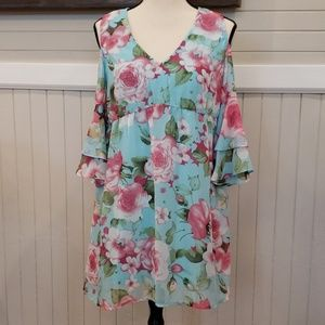 Aqua top with floral detail NWT